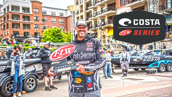 Olliverson Wins FLW at Table Rock | Bass Angler Magazine